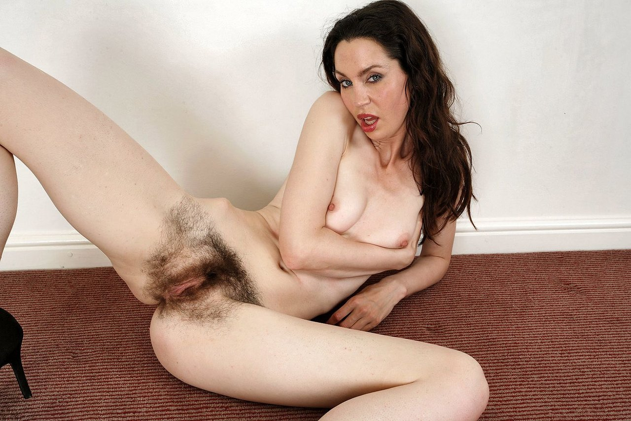 Www women young hairy pussy naked