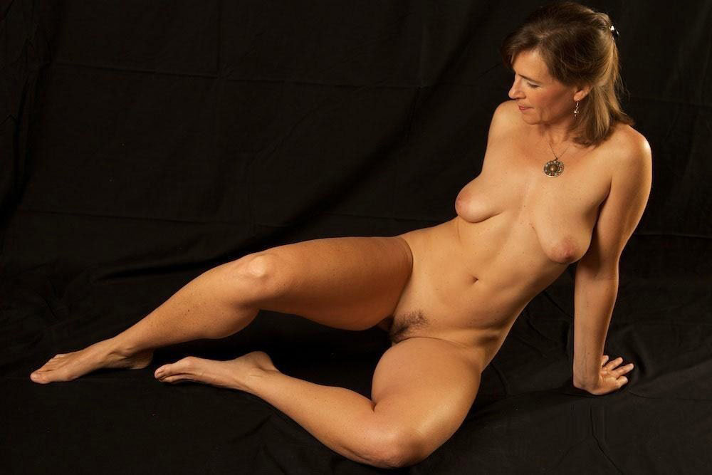 Mature women with sexy nude bodies kore