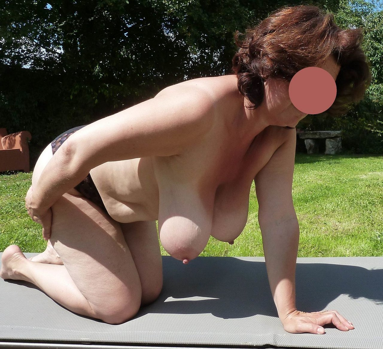 Saggy tits hairy pussy galery
