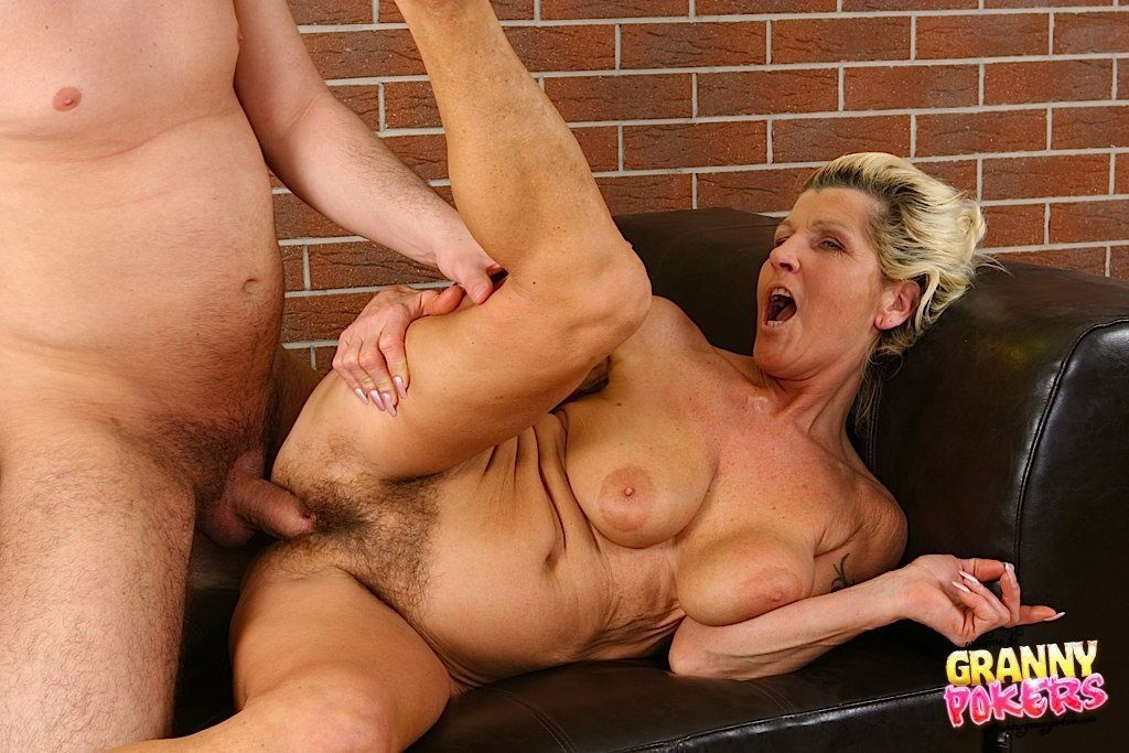 Sex with old women video online