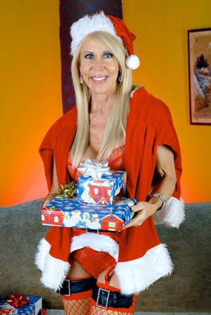 И снова Erica Lauren, готовится к рождеству