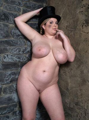 Фото милой толстушки с большими сиськами. 2 фото