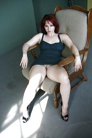 Сексуальные и горячие дамочки в одежде. 8 фото