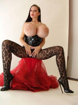 Penelope Black Diamond с силиконовыми сиськами 5 фото