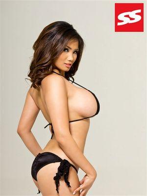 Xena Kai - азиатская модель с большой грудью 19 фото