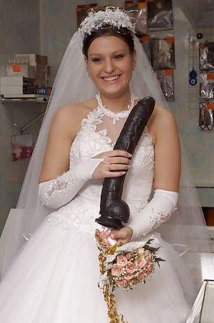 Шлюшки перед свадьбой веселятся 3 фото
