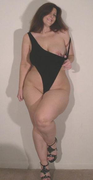 Женщины в возрасте с большими бедрами 10 фото
