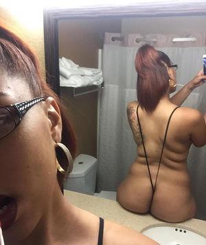 Негритянка с большими ляжками 5 фото