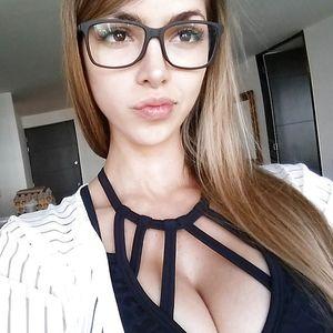 Анелла Сангра - спортивная девушка 0 фото