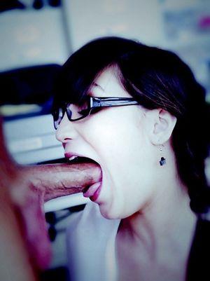 Девки обожают оральный секс 15 фото