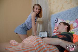Русская девушка вылечила больного парня аналом 1 фото