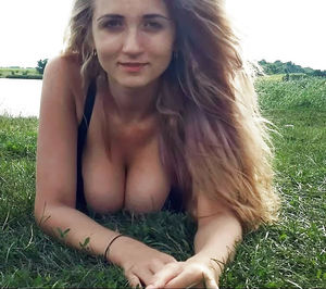 Собрание порно фото молодой блондинки на природе 6 фото