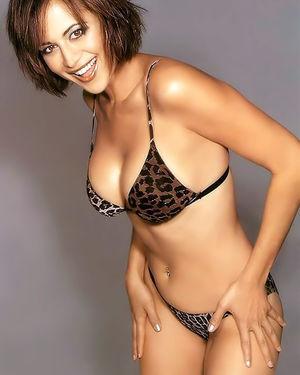 Кэтрин Белл прекрасна в купальнике