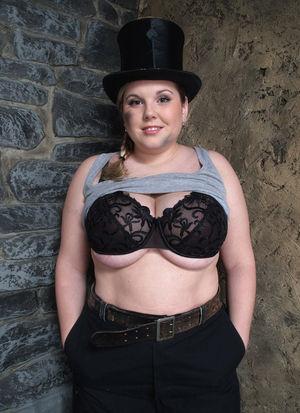 Фото милой толстушки с большими сиськами. 7 фото