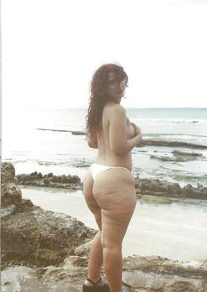 Зрелые толстушки и их любительские фото 10 фото