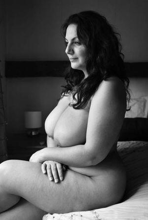 Женщины в возрасте с большими бедрами 14 фото