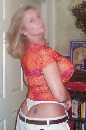 Женщина в годах с большой грудью 3 фото