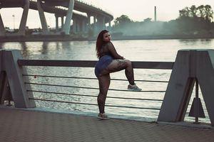 Мария Макарова и ее пышные формы 5 фото