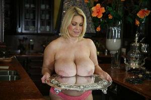 Зрелая блондинка с большими сиськами 10 фото