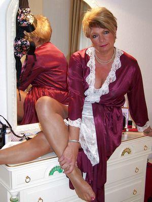 Зрелые дамы в одежде 3 фото