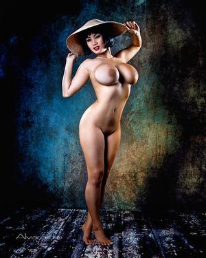 Xena Kai - азиатская модель с большой грудью 22 фото