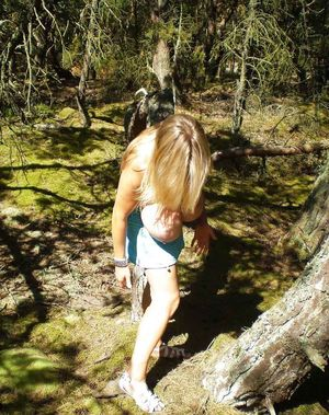 Блондинка с громадной грудью 6 фото