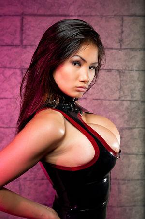 Xena Kai - азиатская модель с большой грудью 6 фото