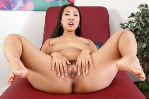 Дырочки азиатской порно звезды 3 фото