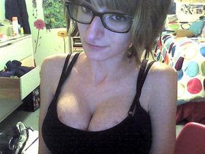Фотографий девушки из вк с большой грудью и худой фигурой 17 фото