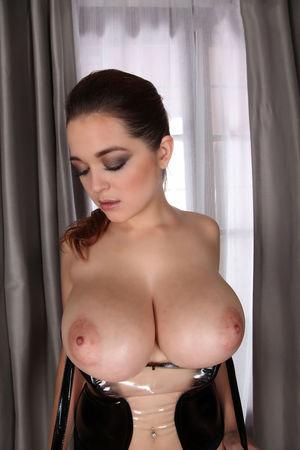 Tessa Fowler -сексуальная штучка 9 фото