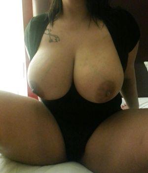 Девушка с большими сиськами 2 фото