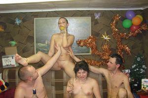 Подборка фотографий с пьяных вечеринок 17 фото