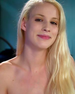 Секс машина заставила кончить грудастую блондинку 0 фото