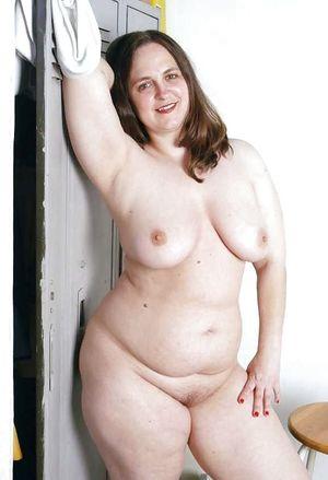 Зрелые толстушки и их любительские фото 11 фото