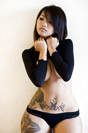 Широкие бедра азиатских девушек 8 фото