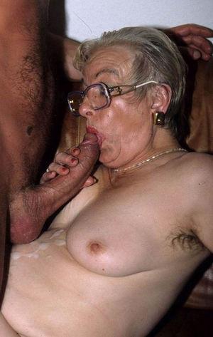 Старухи со спермой на лице 11 фото