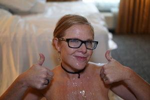Фото домашней ебли, с окончанием на очки 11 фото