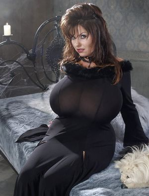 Огромные буфера зрелой дамы 5 фото