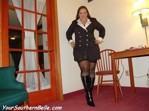 Толстая мамка с большой жопой в чулках 4 фото