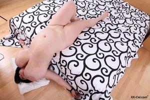 Пухлая баба с обвисшими дойками 27 фото