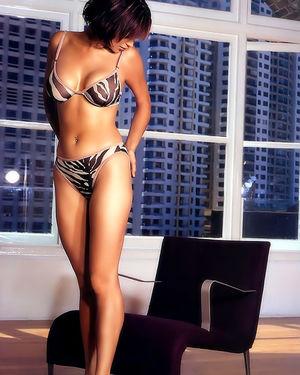 Кэтрин Белл прекрасна в купальнике 2 фото