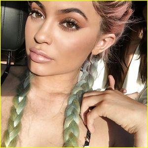 Модель и в то же время красивая девушка, Kylie Jenner 15 фото