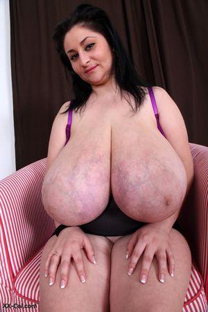 Огромные буфера толстухи 2 фото