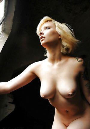 Фото девок с большими сиськами и пухлыми сосками 8 фото