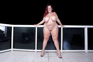 Зрелые толстушки и их любительские фото 15 фото