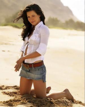 Красивые фотографии шикарной актрисы с классной фигурой 4 фото