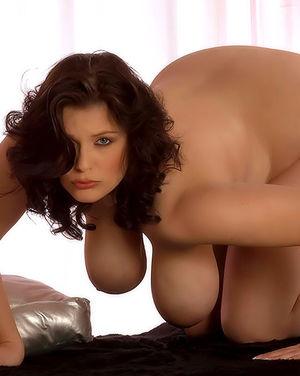 Полная женщина с огромными сиськами 10 фото