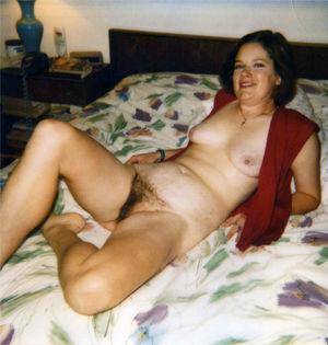 Старое фото женщины с волосатой пиздой 7 фото