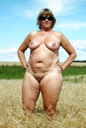 Зрелые толстушки и их любительские фото 9 фото