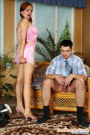 Рыженькая россиянка захотела анальный секс 19 фото